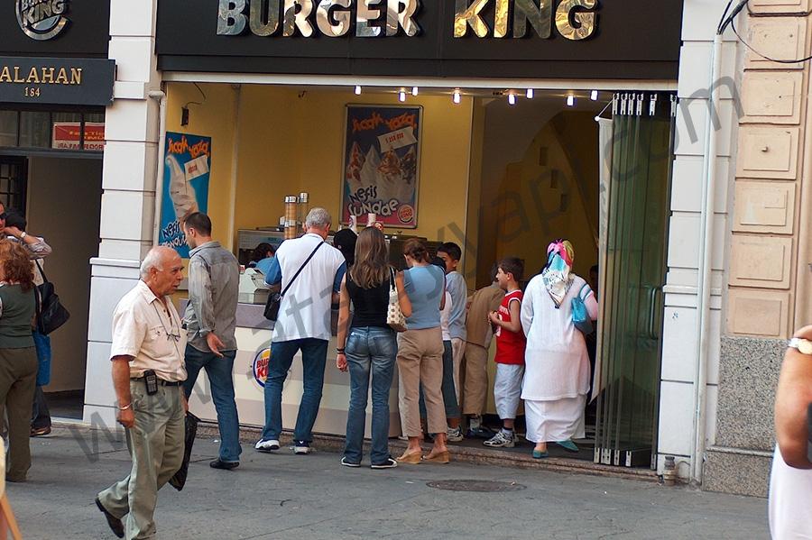Burger King Cam Cama Kayar Toplanır Üretimi