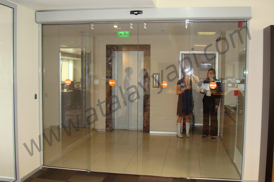 Tekstilbank Manet Tutucu Kapı Üretimi